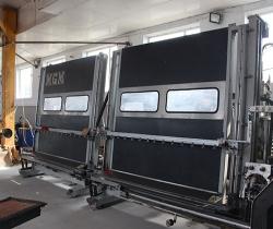 营口白钢门窗设备